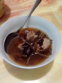 营养开胃的茶树菇排骨汤