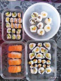 自己做的三文鱼寿司