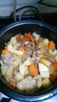 自己做的土豆焖饭