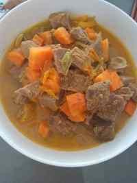 家常菜牛肉炖柿子