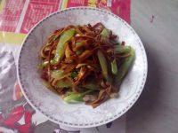 健康的芹菜炒豆干