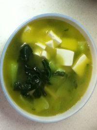 营养丰富的青菜豆腐汤