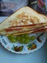 食欲满满的三明治
