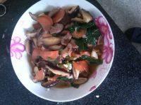 家常菜炒香菇