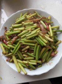家常菜蒜苔炒肉丝