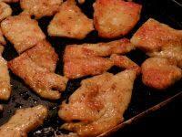 家常菜香煎鸡脯肉
