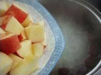美味的苹果银耳红枣汤