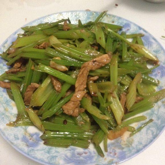 DIY芹菜炒肉