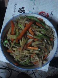 家常菜胡萝卜炒土豆