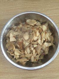 鲜香的杏鲍菇炒肉