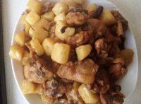 下酒菜土豆炖鸡