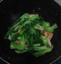 清淡的小白菜煎豆腐