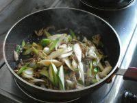 家常菜葱炒羊肉