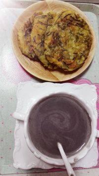 美味早餐燕麦芝麻豆浆