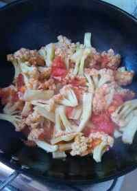 家常菜西红柿烧花菜