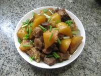 质嫩爽口的土豆烧排骨