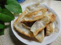 常吃不腻的油煎饺子