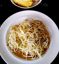 家常菜清炒绿豆芽