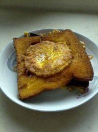 美味早餐吐司煎蛋