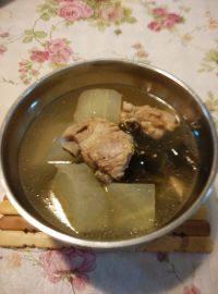 家庭版-海带排骨汤