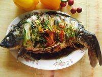 家常菜清蒸鲤鱼