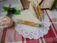 简单的火腿蛋三明治