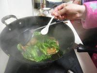 家常菜小白菜煎豆腐