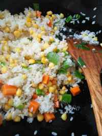 美味的胡萝卜玉米炒饭