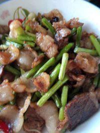 家常蒜苔回锅肉