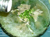 美味的菠菜猪肝汤