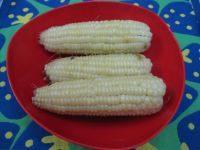 简单的煮粘玉米