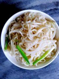 鹧鸪海螺椰片薏仁汤