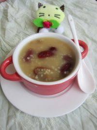 美味的红枣小米粥
