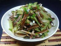 甘脆的芹菜炒豆干