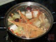 美味的海星杨桃炖瘦肉汤