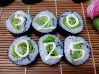 简单的生菜寿司