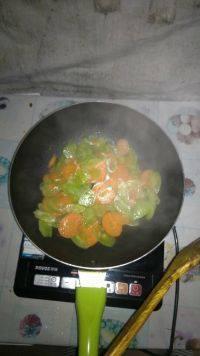 家常菜腊肠炒莴笋
