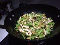 家常菜芹菜炒豆干