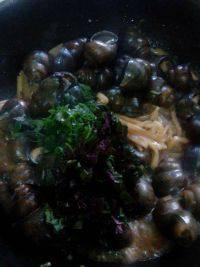 美味的酸笋炒田螺