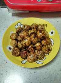 美味的卤鹌鹑蛋