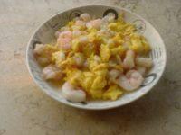 简单易做的虾仁炒蛋