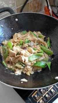 家常菜东北尖椒干豆腐