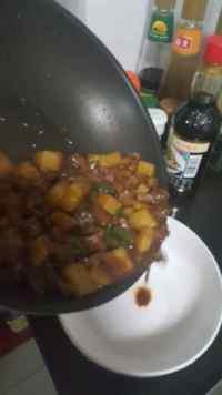 回味无穷的土豆牛肉