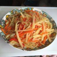 家常菜胡萝卜土豆丝