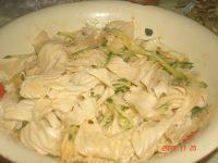 家常菜黄瓜拌豆皮