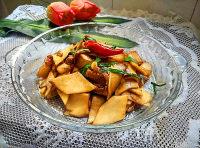 家常菜肉片炒杏鲍菇