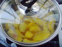 满口生香的糖水黄桃