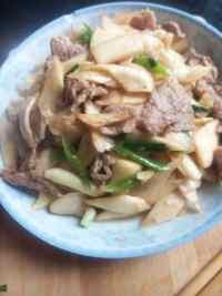 家常菜茭白炒肉片