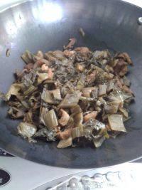 家常菜咸菜焖猪肉