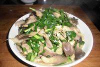 家常菜平菇炒肉片